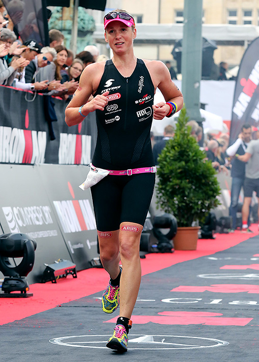 IRONMAN Hamburg 2017 – Auf Der Finishline Am Rathausplatz