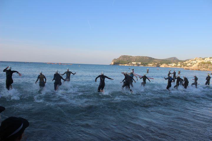Challenge Mallorca, Paguera 2015 – Schwimmstart Der PRO-Damen