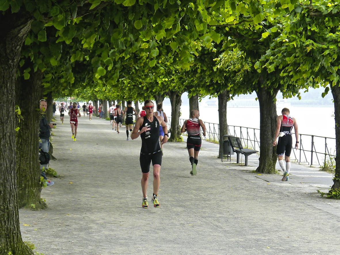 Auf Der Laufstrecke Beim Bonn Tri(Du)athlon 2016