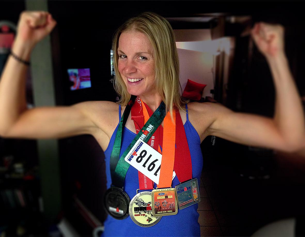 Verena Mit Den Medaillen Von Hawaii 2007, 2009, 2011 Und 2013