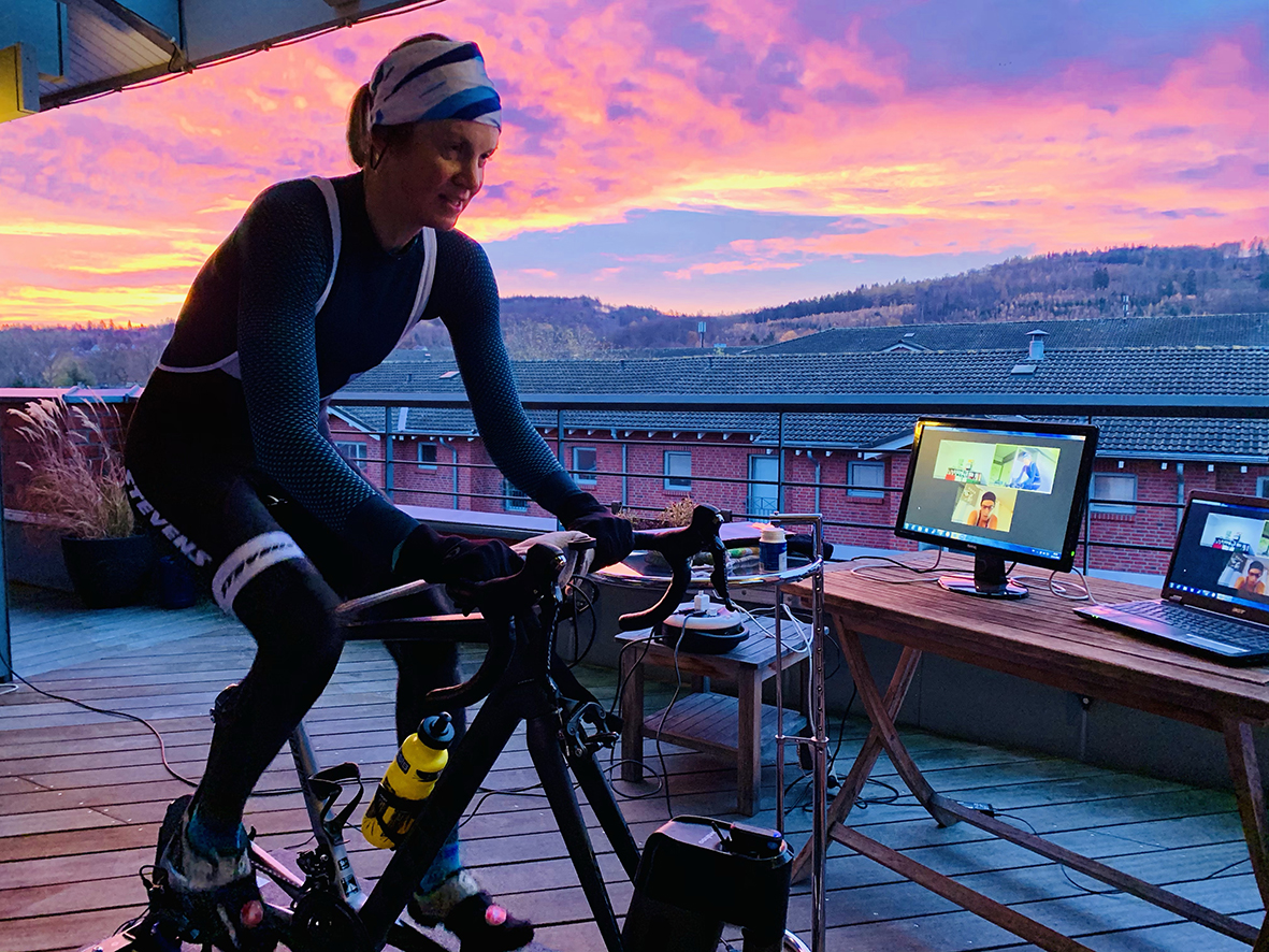 VEveresting Auf Zwift – Start Um Kurz Vor 7 Uhr Auf Dem Balkon